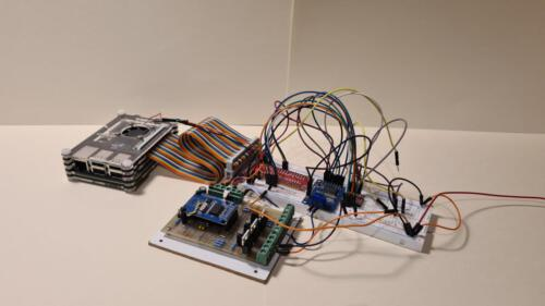 SLSS CarNet - Breadboardaufbau der Hauptplatine inkl. einem Can-Board